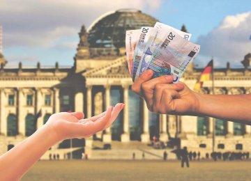 האם הממשלה מעודדת הלוואות חברתיות כתחרות מול הבנקים?